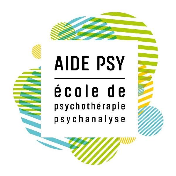 Th&eacute;rapeute titulaire sp&eacute;cialis&eacute;e en th&eacute;rapie br&egrave;ve<br /> Ecole Nationale AIDE PSY, Paris.