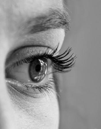 Praticienne en Hypnose Ericksonienne et EMDR+<br /> Gestion du stress, addictions, phobies, manque de confiance, soutien dans le cadre des traitements medicaux lourds (chimioth&eacute;rapie), troubles du sommeil, troubles alimentaires, TOCs, ...