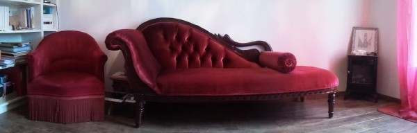 Séance allongée sur le divan.